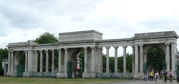 Hyde_Park_-_Grand_Entrance_-_geograph.org.uk_-_1464490