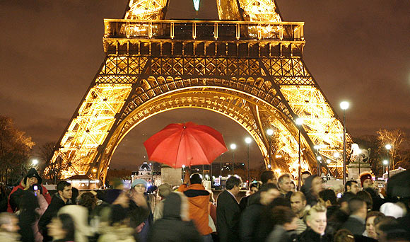 Celebrate Valentine's Day in Paris RatedApartments Guide for lovers
