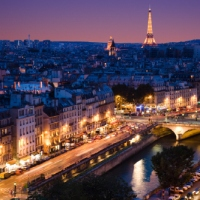Celebrate Valentine's Day in Paris : Gifts, Travel, Romance & lot more